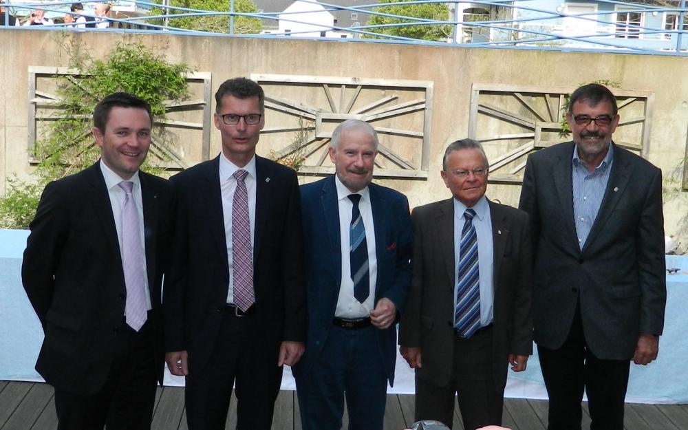 Die Bürgermeister aus Sarzeau und aus Dahlem, die seit der Gründung der Partnerschaft mitgewirkt haben