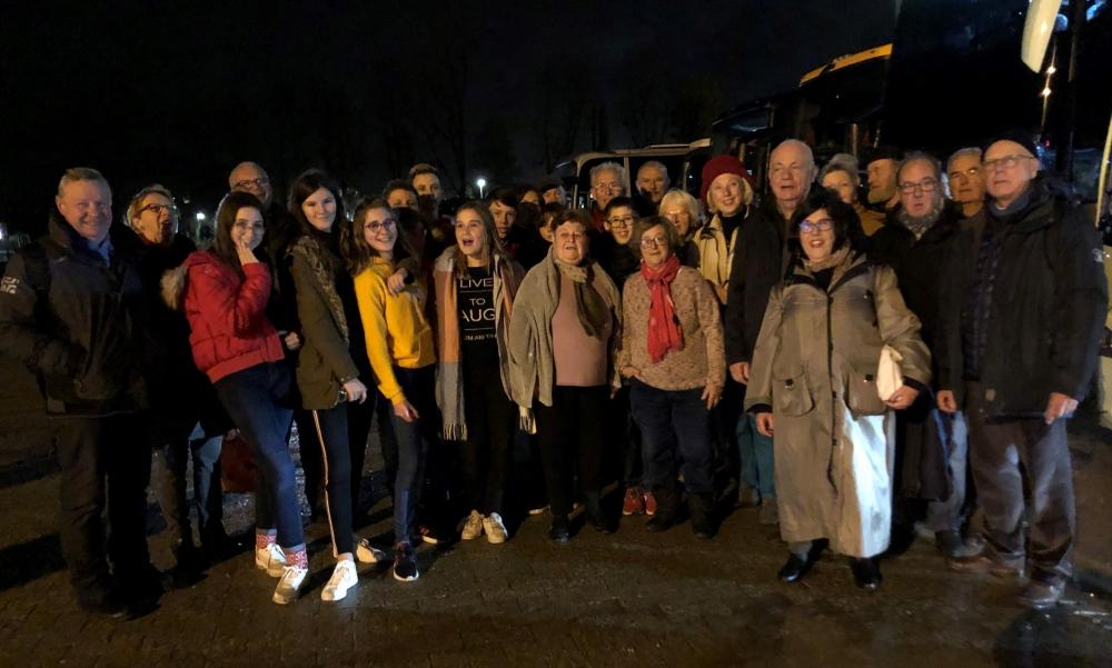 Foto der Franzosen beim Abschied in Aachen, wo sie noch den Weihnachtsmarkt besuchten
